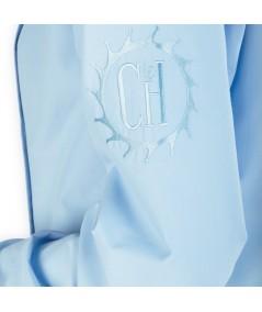 """Blouse d'horloger Latitude La Cie Des Horlogers, de couleur bleu clair. Sigle """"La Cie des Horlogers"""" sur la manche"""