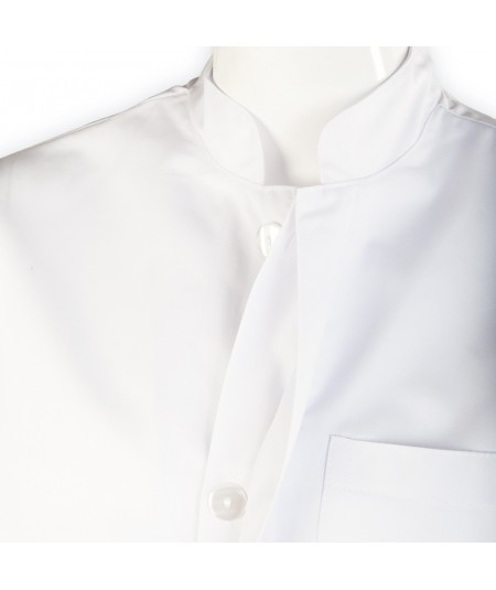 Blouse d'horloger Paraphe Plus, blanc. Fermeture à boutons plats et cache boutons.